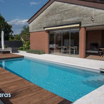 Productos básicos para el mantenimiento de una piscina